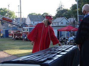 Student selects diploma